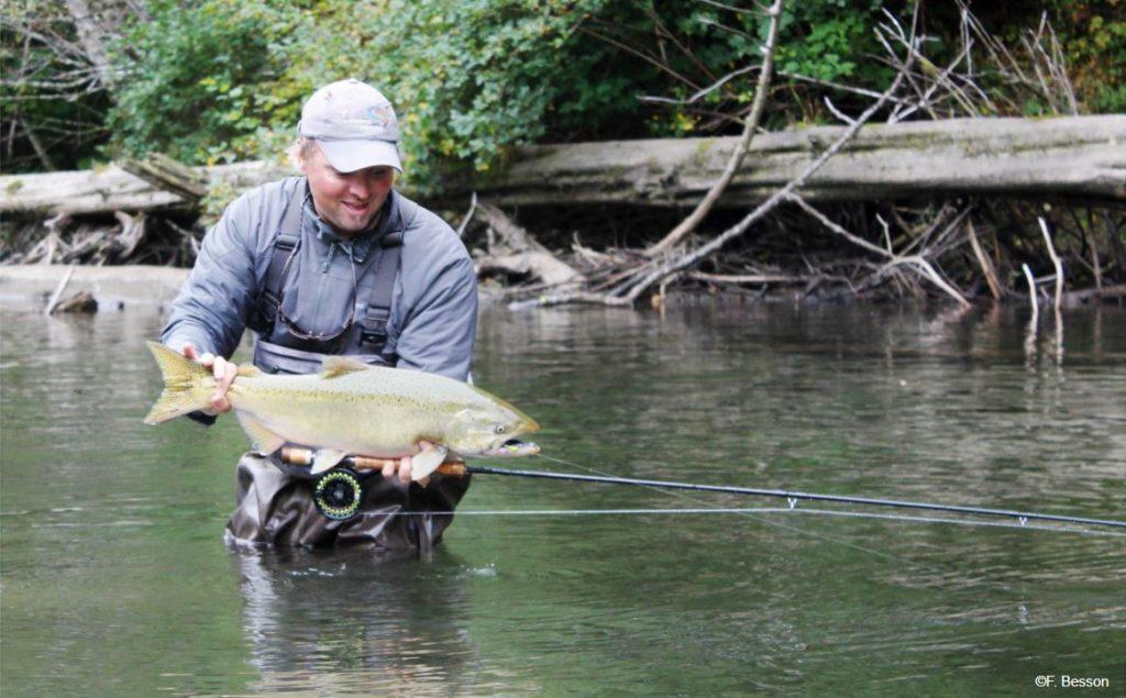 Portrait : Florian Besson guide de pêche en Colombie Britannique
