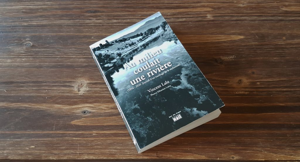 """J'ai lu """"Au milieu coulait une rivière"""""""